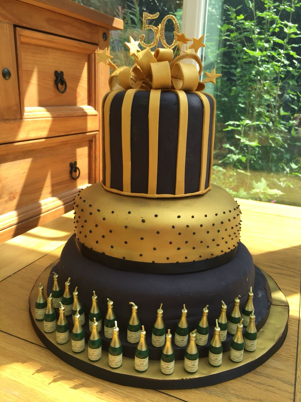 50Th Birthday Cake 50th Celebration For Black And Gold Theme Party