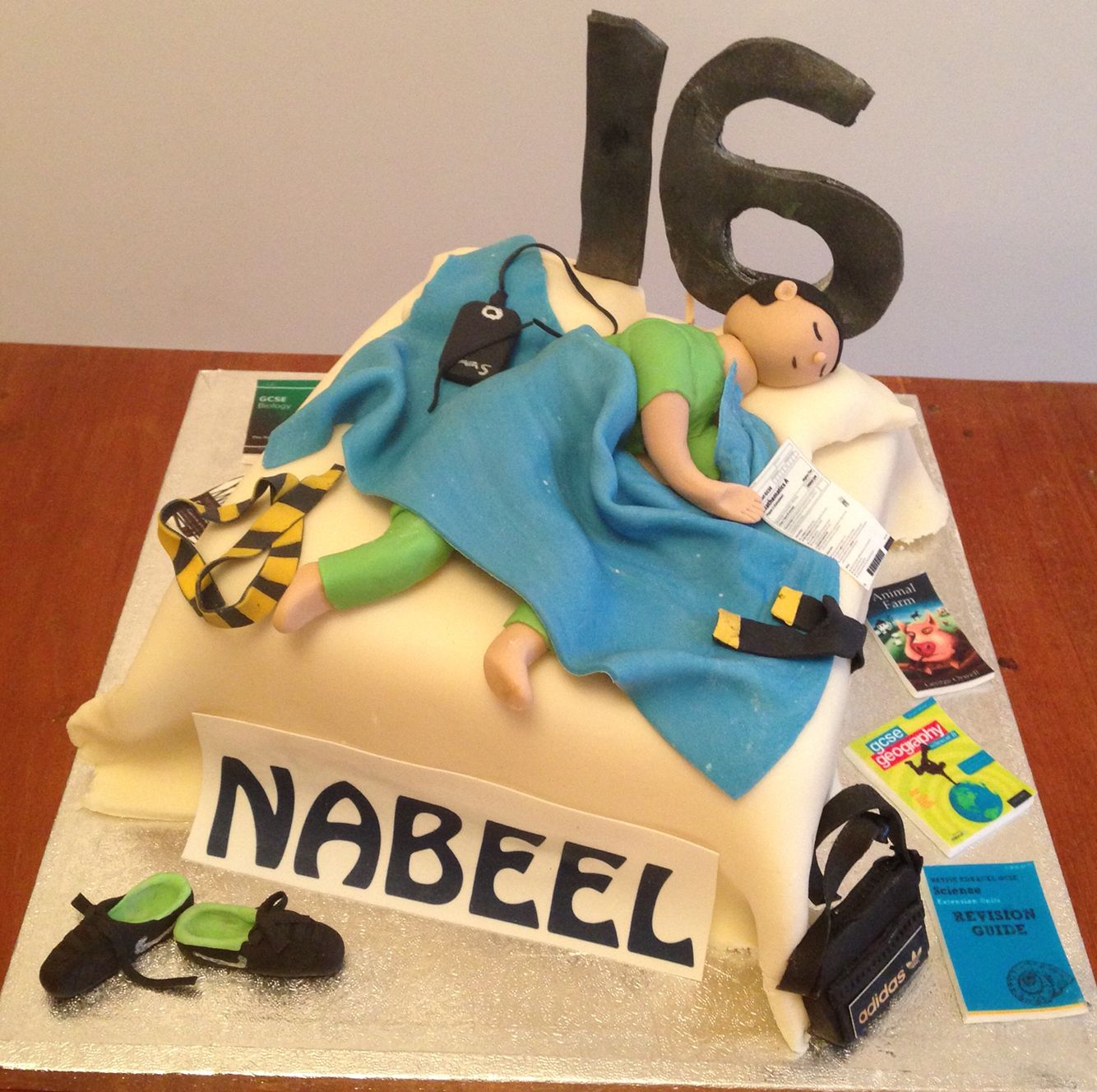 1334 X 1328 In 27 Pretty Picture Of Birthday Cake For Teenager Boy